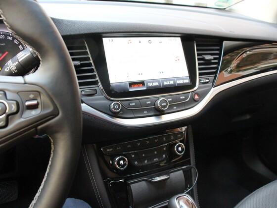 Astra K 1.4 Ansicht Navi von Fahrerseite aus