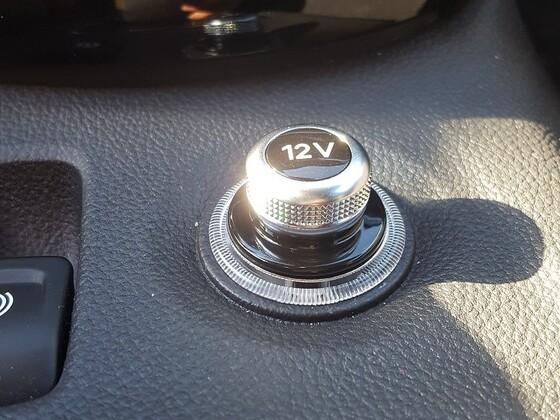 Neuer Stopfen für 12V-Steckdose