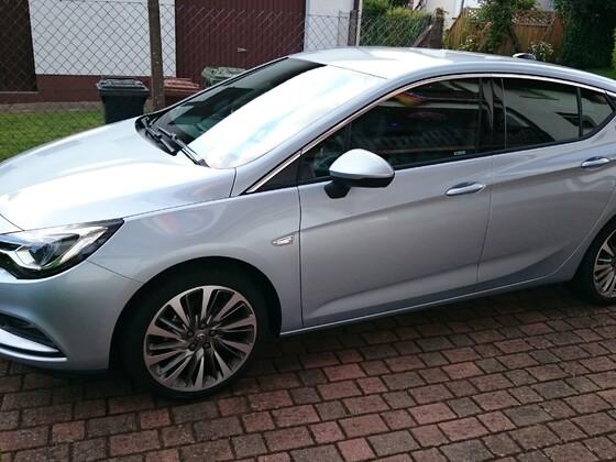 Opel Astra K Dynamic Diamantblau
