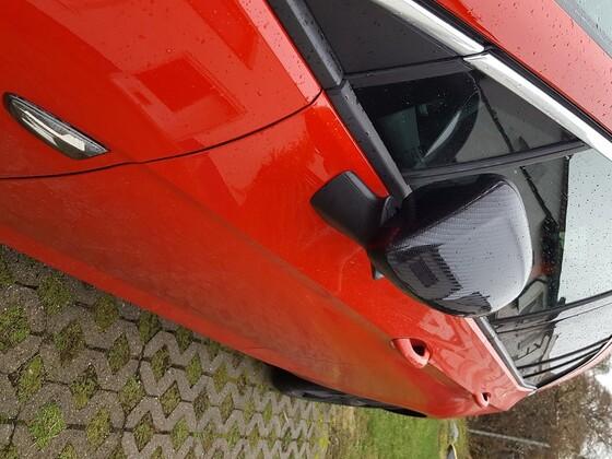 Carbon-Spiegel + Smoke-Blinker Detail (angeklappt)