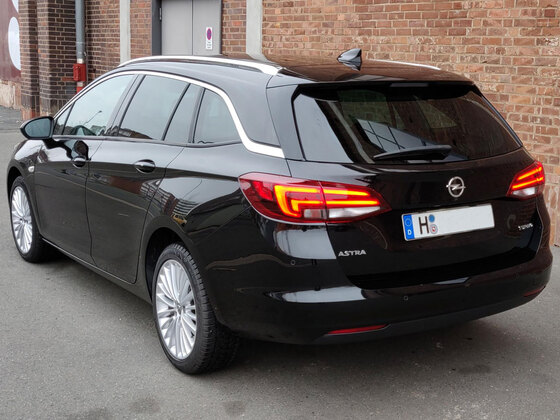 Opel Astra K Sports Tourer Onyx Schwarz