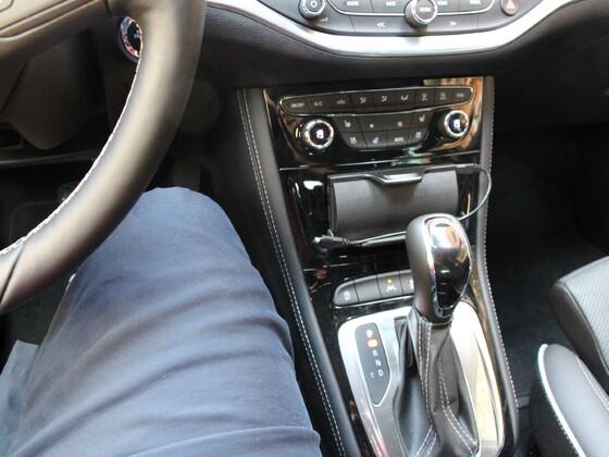 Astra K 1.4 Mittelkonsole von Sicht Fahrer